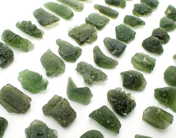 moldavito akmenys